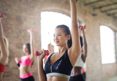 Proste i efektywne ćwiczenia, które możesz wykonać w domu